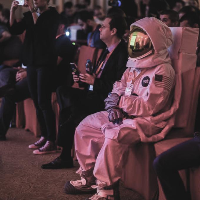 Astronaut WeltPixel Cosmo Meet Magento